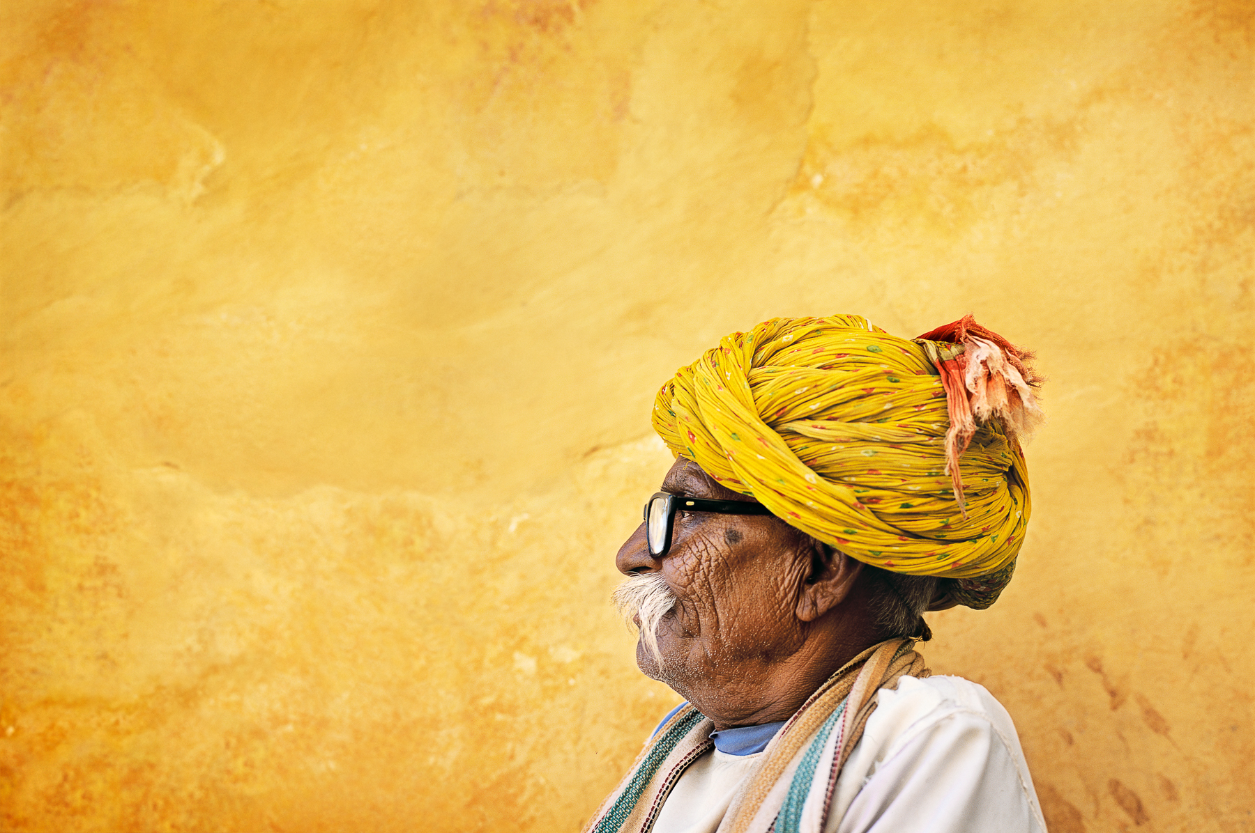 0150_indian_man_glasses_FL_w2_RGB_