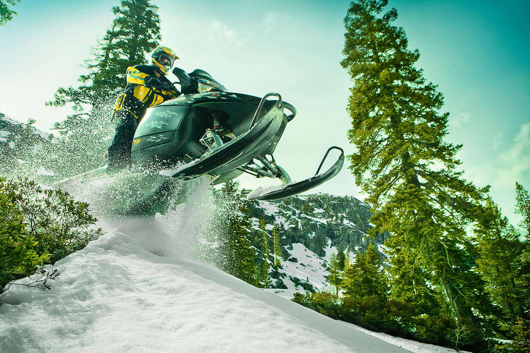 0348_JH_port_hp_tahoe_snowmobile_0002_w5_RGB_